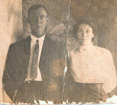 Old photograph of James and Emma Knapp circa 1913, used with permission of the family