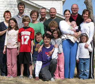 VanFossen Family in Tulsa, Oklahoma, 2008 photograph copyright LorelleVanFossen