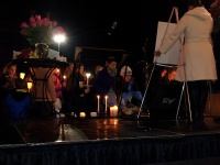 clackamas mall vigil - photographs by Lorelle VanFossen (11)