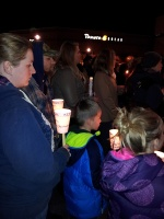 clackamas mall vigil - photographs by Lorelle VanFossen (14)