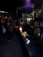 clackamas mall vigil - photographs by Lorelle VanFossen (16)