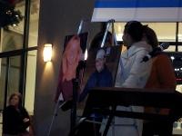 clackamas mall vigil - photographs by Lorelle VanFossen (17)