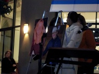 clackamas mall vigil - photographs by Lorelle VanFossen (17)