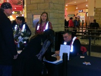 clackamas mall vigil - photographs by Lorelle VanFossen (2)