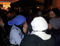 clackamas mall vigil - photographs by Lorelle VanFossen (21)