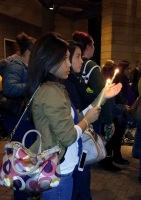 clackamas mall vigil - photographs by Lorelle VanFossen (26)