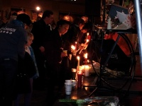 clackamas mall vigil - photographs by Lorelle VanFossen (3)