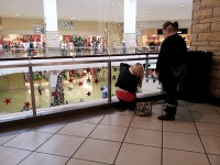 clackamas mall vigil - photographs by Lorelle VanFossen (33)