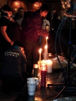 clackamas mall vigil - photographs by Lorelle VanFossen (4)