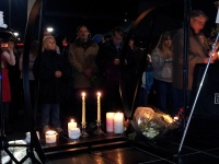 clackamas mall vigil - photographs by Lorelle VanFossen (5)