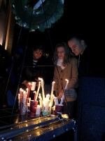 clackamas mall vigil - photographs by Lorelle VanFossen (6)