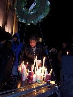 clackamas mall vigil - photographs by Lorelle VanFossen (7)