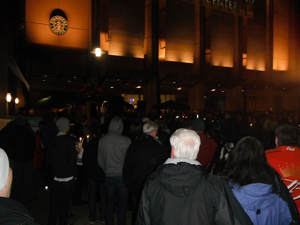 Clackamas mall vigil - photography by Duke DesRochers (15)