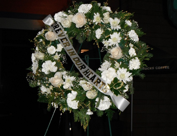 Wreath, part of the memorial for the Clackamas Mall, photography by Duke DesRochers.