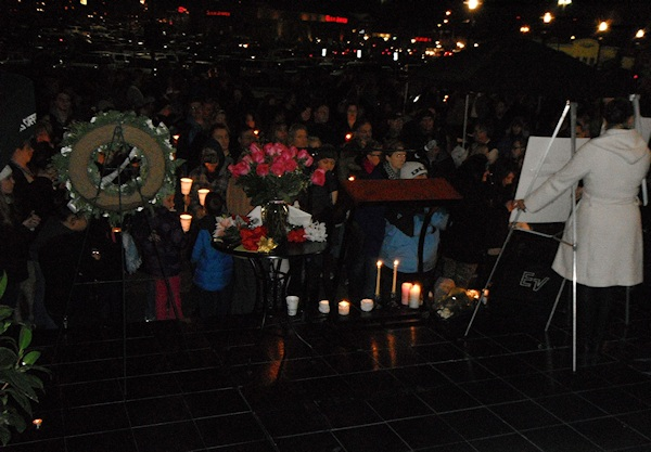 Clackamas mall vigil - photography by Duke DesRochers (40)